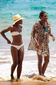 Lupita-Nyongo-Bikini-Hawaii-Pictures000