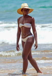 Lupita-Nyongo-Bikini-Hawaii-Pictures4